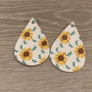 Sunflower & Leaf White Faux Leather Earrings